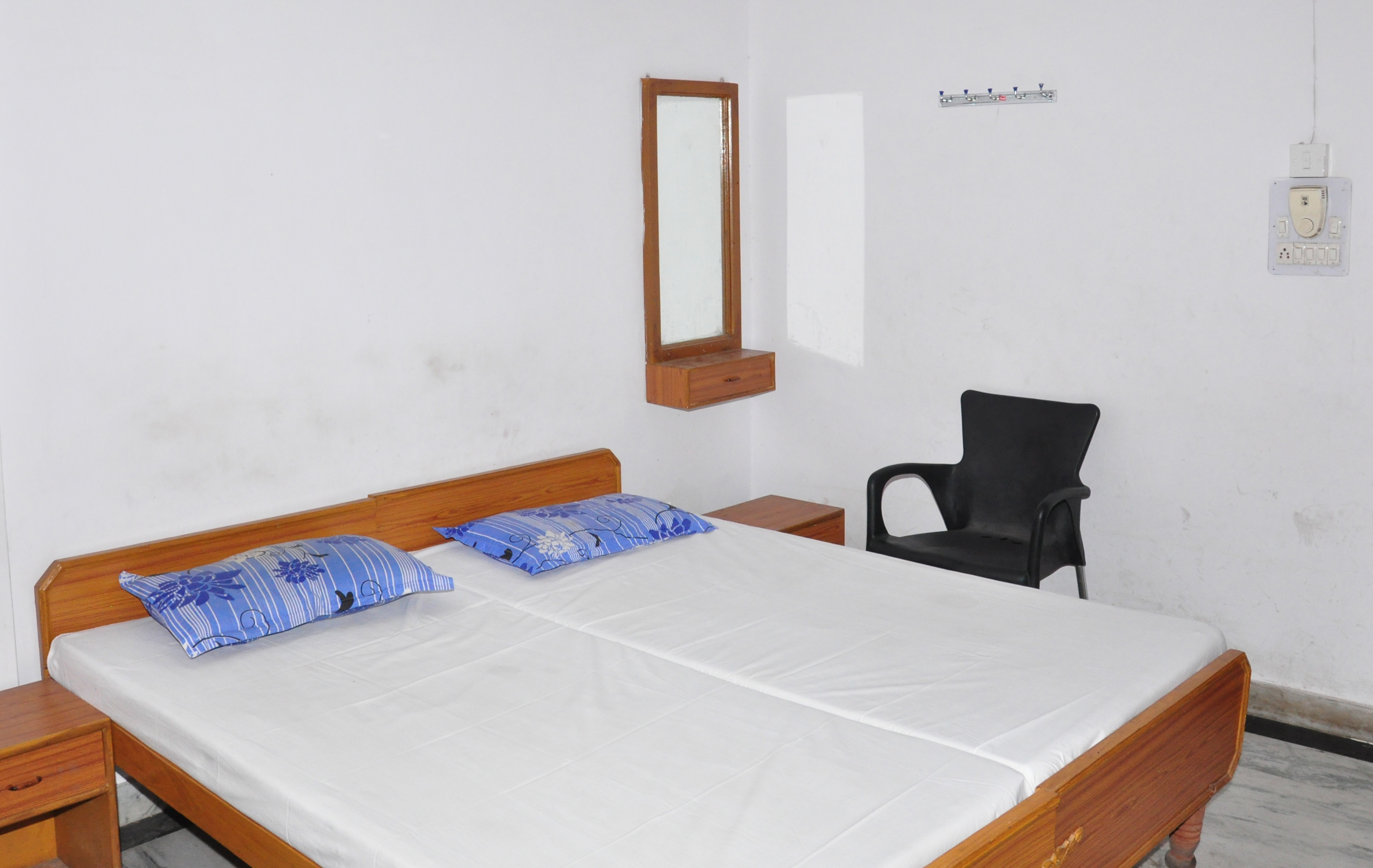 Non A/C Double Bed Room